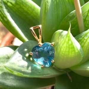 Jewelry - 💙 Blue Topaz & 14k Gold Pendant NEW